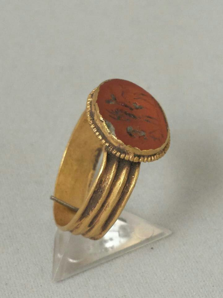 Roman Gold Ring With Carnelian Stone Intaglio Of Jupiter